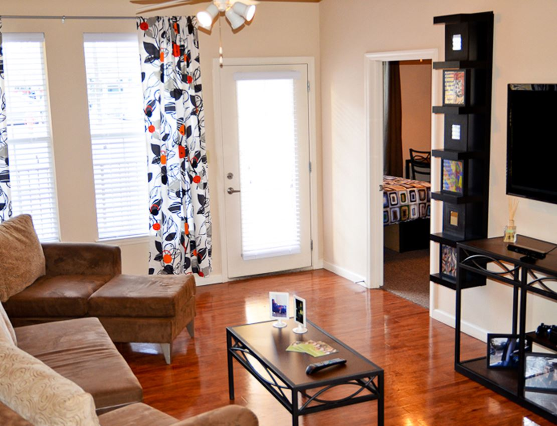 gallery0001hillcountryapartmentslivingroomjpg